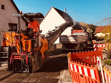 Kispert Bau aus Limbach unterstützt beim Straßenbau